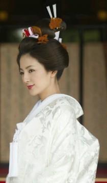 wedding photo - 17 Unbelievable Wedding Beauty Looks Around The Globe