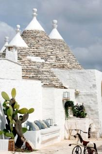 wedding photo - BEAUTIFUL RESTORED TRULLI IN PUGLIA, ITALY (style-files.com)