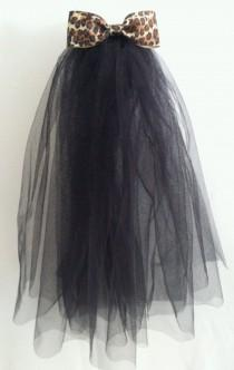 wedding photo - Bachelorette Veil - Black w/ Leopard Bow