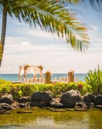 wedding photo - 39 Hawaii Wedding Venues For Any Budget