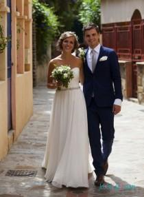 wedding photo - Simple sweetheart neck chiffon destination wedding dress