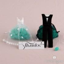 wedding photo - Bride & Groom Candy Favor Bags - Weddingstar