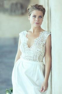 wedding photo - Short Wedding Dress, Romantic Lace Wedding gown, Classic Bridal Dress, Custom Dress, Rustic Gown, Simple Wedding Dress, Unique Wedding Dress