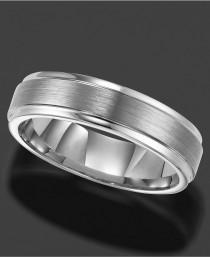 wedding photo - Men's Tungsten Carbide Ring