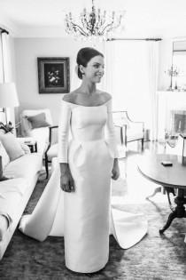 wedding photo - 50 Beautiful Long Sleeve Wedding Dresses