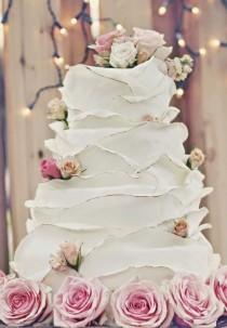 wedding photo - Fly Me To The Moon: Trend Alert: Parisian-themed Weddings