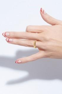wedding photo - 2 Party-Perfect Nail Ideas For The Holidays (Le Fashion)