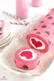 wedding photo - The Perfect Valentine's Day Heart Cake