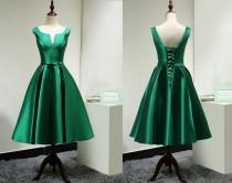 wedding photo - Modest Satin Emerald Green Bridesmaid Dress Short Custom/Elegant Tea Length Prom Dress Green/Wedding Party Dress/Homecoming Dress Short