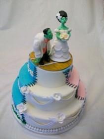 wedding photo - Frankenstein Wedding Cake - Weirdest Wedding Cakes