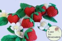 wedding photo - Gumpaste strawberries for cake decorating