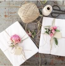wedding photo - Cute & Creative Gift Wrapping Ideas You Will Adore