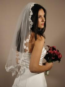 "wedding photo - Mantilla wedding veil with lace edging. Mantilla vil elbow length 30"" long and 72"" wide."