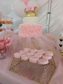 wedding photo - Minnie Mouse Bowtique Birthday Party Ideas