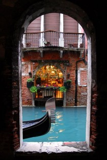 wedding photo - Wanderlusting: I Still Dream Of Venice...