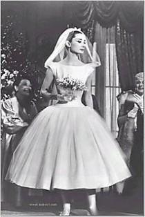 wedding photo - Your Wedding Support: GET THE LOOK - 50's Prom Wedding Dress