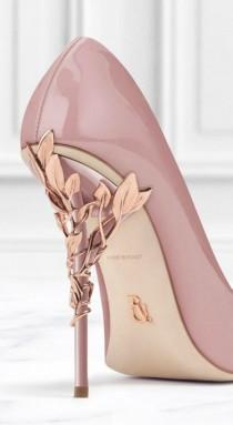 wedding photo - Elegant Pump Shoe