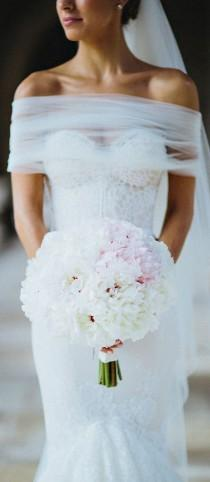 wedding photo - Stunning Bridal Gown