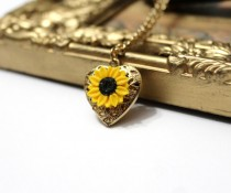 wedding photo - Sunflower Heart locket necklace, Gold Sunflower, Locket Wedding Bride, Bridesmaid Necklace, Birthday Gift, Sunflower Photo Locket