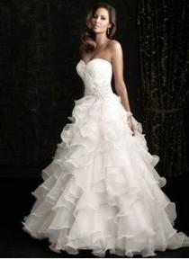 wedding photo - Ball-Gown Strapless Sweetheart Chapel Train Organza Wedding Dress With Lace Beading Cascading Ruffles