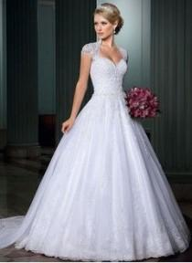 wedding photo - Ball-Gown Sweetheart Court Train Organza Wedding Dress With Appliques Lace