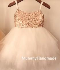 wedding photo - High Quality Ivory Ruffle Tulle Flower Girls Dresses Sparkly Rose Gold Sequin Wedding Party Dresses Spaghetti Strap Knee Length Kids Dresses