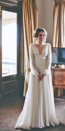 wedding photo - 24 Simple Wedding Dresses For Elegant Brides