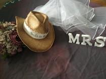 wedding photo - Western-Cowgirl-Bride-cowboy hat-bride- cowgirl hat-bridal veil-weddings-bachelorette party-bachlorette-hat-weddings-country weddings