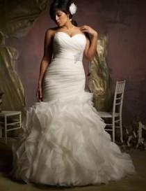 wedding photo - Plus Size Mermaid Style Ruched Ruffled Trumpet Wedding Dress :: Autumn Collection