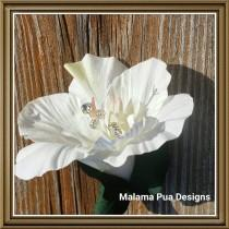 "wedding photo - TROPICAL BRIDAL HAIR Clip - ""Real Touch"" Ivory White Hibiscus, Bridal Clip, Headpiece, Silk Flowers, Hawaiian, Crystal Center, Beach Wedding"