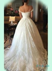 Stunning Beaded Lace Sweetheart Neck Princess Bridal Wedding Dresslace Overlay The Bodice With Off Shoulder Strapsfull Ball Gown Bottom A Chapel