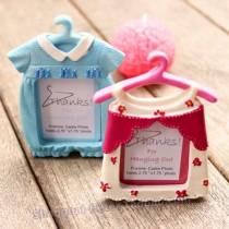 wedding photo - Beter Gifts® #兒童生日佈置 #粉色 #可愛寶貝 #衣架小相框 BETER-SZ044 #小公主 #女生 #生日宴會 #babyshowerfavors #babybirthday #kidsparty #partyinspirations