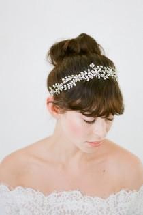 wedding photo - Wedding Halo,Bridal Halo,Crystal Halo,Wedding Headpiece,Bridal Headpiece,Silver Headpiece,Romantic Halo,Wedding Hair Vine,Bridal-Callista