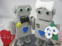 wedding photo - Customise Wedding Cake Topper--Robot Love with Circle Clear Base