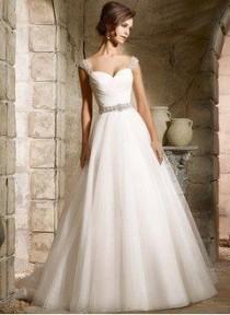 wedding photo - A-Line/Princess Sweetheart Chapel Train Tulle Wedding Dress With Beading