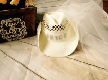 wedding photo - bachelorette- cowgirl hat with veil-bride hat-cowboy hat-bachelorette veil-cowgirl hat-bachelorette tiara, bachelorette veil