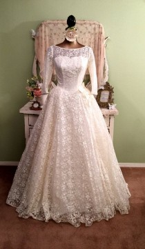 wedding photo - Vintage 50s Lace Wedding Dress