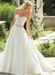 wedding photo - A-Line/Princess Strapless Sweetheart Court Train Satin Wedding Dress With Ruffle Beading
