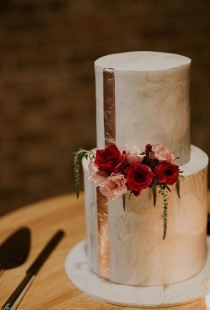 wedding photo - 35 Modern Wedding Cake Ideas