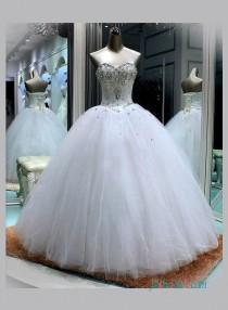 wedding photo - Sweetheart neckline white princess ball gown wedding dress