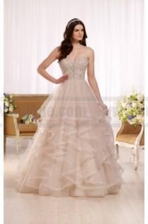 wedding photo - Essense Of Australia Princess Ball Gown Wedding Dress With Sweetheart Bodice Style D2169