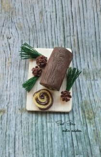 wedding photo - Christmas dollhouse miniature swiss roll cake - 1:12 Scale Dollhouse Miniature Food - Dollhouse Yule log cake