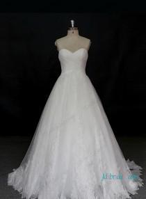wedding photo - Beautiful sweetheart neckline princess lace ball gown