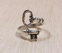 wedding photo - Wrap Around Skeleton Key Ring Steampunk Jewelry - Victorian Key Edwardian Key - Cosplay - Boho Key Rings - Bronze Gold Rose Gold Silver