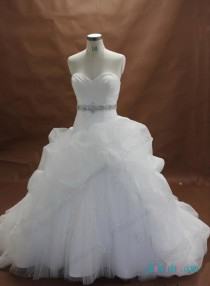 wedding photo - Plus size white organza and lace ball gown wedding dress