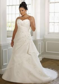 wedding photo - A-Line Strapless Sweetheart Neck Satin Plus Size Wedding Dress