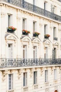 wedding photo - Chic Parisian Couple Shoot - French Wedding Style