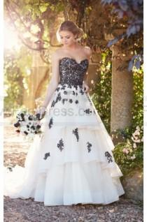wedding photo - Essense of Australia Princess Wedding Dress With Lace And Tulle Skirt Style D2275