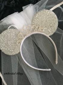 wedding photo - Disney Wedding Veil Bachelorette Party Minnie Mouse Tiara Headband Veil, Disney Bridal Shower Veil, Disneyland Minnie Mouse Ears Headband