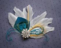 wedding photo - Bridal Peacock Facinator, Feather Hair PIece, Wedding Hair Accessory, peacock feather hair clip, Turquoise Peacock feather - WHITE OASIS
